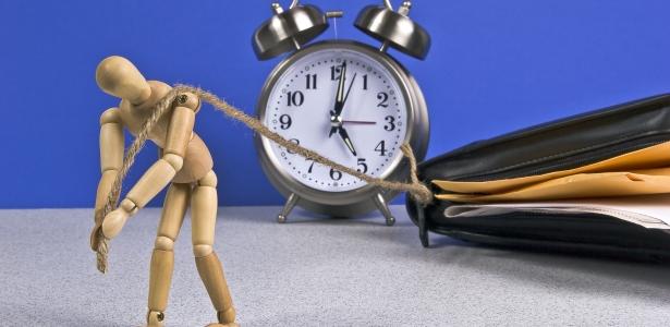 Оставате ли често след 5.00 часа?
