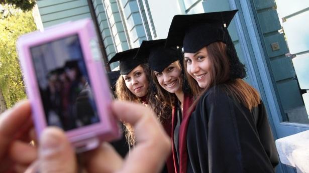 Основното нещо в университета не е дипломата, а средата и възможностите