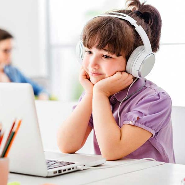12-advantages-of-online-courses-for-kids-compared-to-traditional-face-to-face-learning